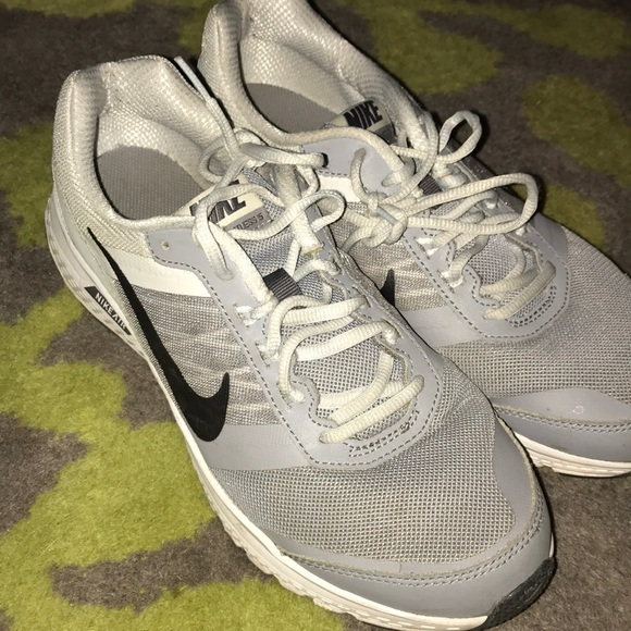 sports shoes c3393 c2e3b Nike Air Relentless 5 Men s Size 9 Gray Shoes. M 5aefac942ab8c5ea40002a9d